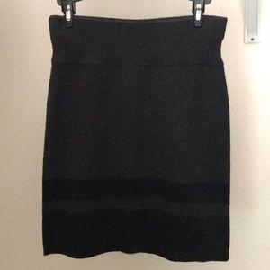 Gray and Black Loft sweater skirt